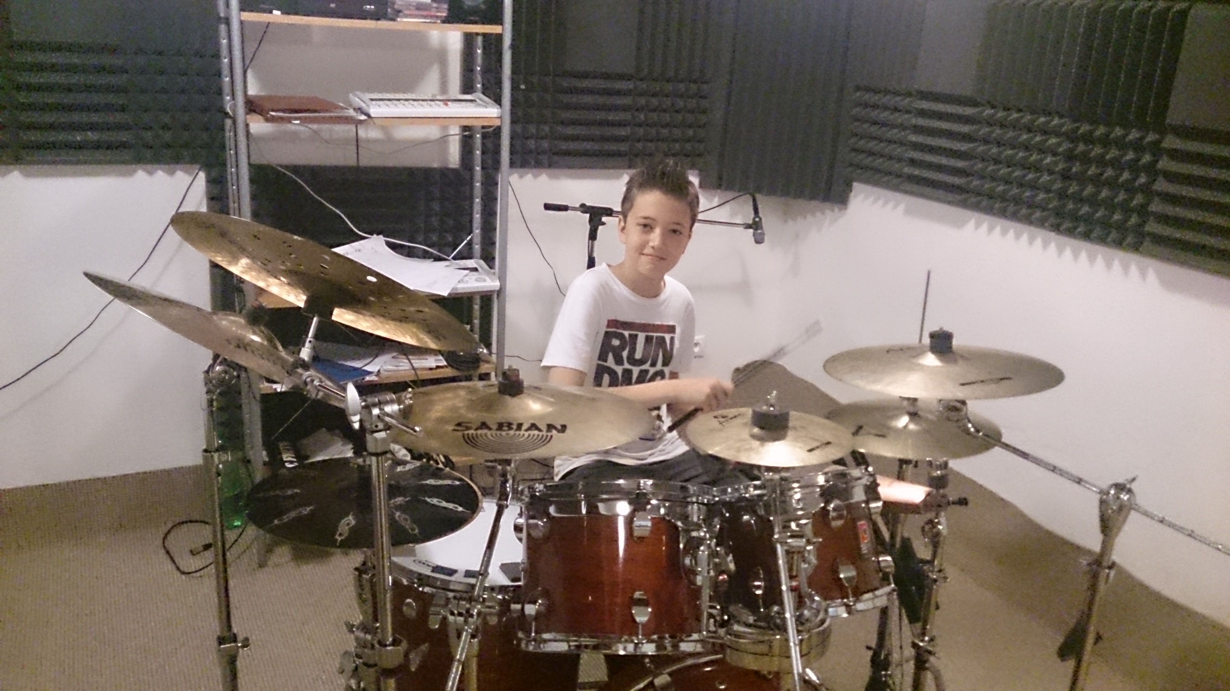 DEJAVU FESTIVAL 11.6.2016 hrám v Samoríne o cca 16,00 h.